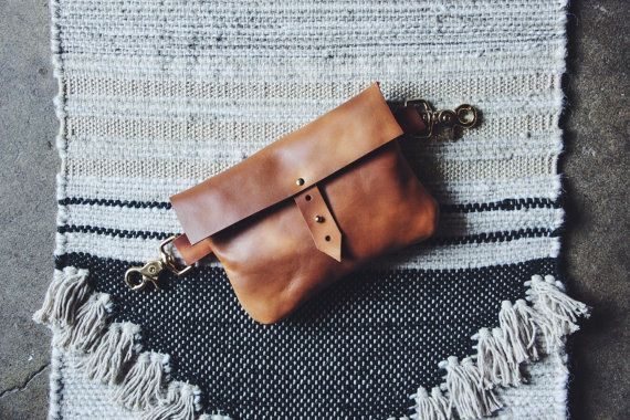 the hustler festival fanny with strap // hand-sewn tan buffed, oiled cowhide leather fanny pack with swivel d-ring hooks