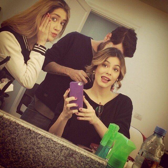 Martina Stoessel selfie makeup ☑❤️