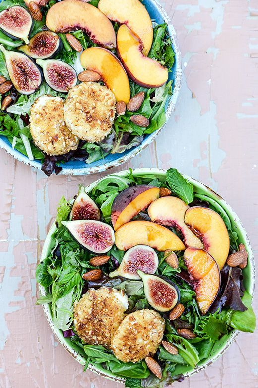 Almond-Crusted Goat Cheese, Peach and Fig Salad | www.floatingkitchen.net