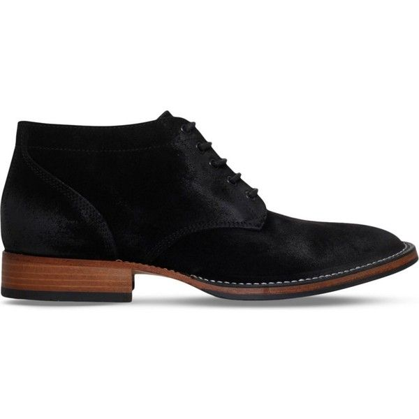 BELSTAFF Stockwell suede chukka boots (1.995 BRL) ❤ liked on Polyvore featuring men's fashion, men's shoes, men's boots, black, mens black suede shoes, mens black chukka boots, mens lace up boots, mens shoes chukka boots and mens black suede boots