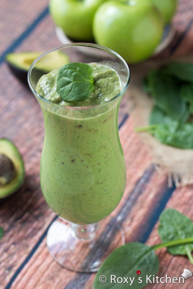Creamy Banana Green Smoothie packed with fiber, vitamins, iron & protein. | Roxy's Kitchen– Healthy Eating Has Never Tasted So Good!
