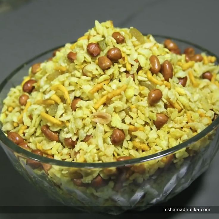 Khatta meetha poha namkeen is a quick and crispy poha namkeen recipe even tastier than the savory poha namkeen.  Recipe in English- http://indiangoodfood.com/1759-khatta-mitha-chivda-recipe.html ( copy and paste link into browser)  Recipe in Hindi- http://nishamadhulika.com/khatta-mitha-mix-chivda-recipe.html ( copy and paste link into browser)