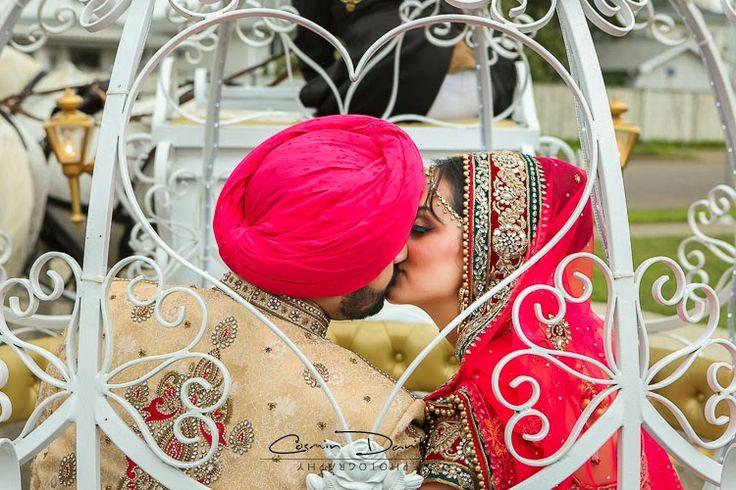 Sukh+Navi+Indian+Wedding+Portraits+Anand+Karaj+Sikh+Marriage+Ceremony+Pictures+Punjabi+Wedding+Photography+Edmonton,+Canada+Nanaksar+Gurdwara+37.jpg (750×500)