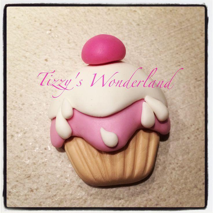 Cupcake em biscuit! Cupcake in pasta di mais! Cupcake in cold porcelain! Cupcake en porcelana frìa!