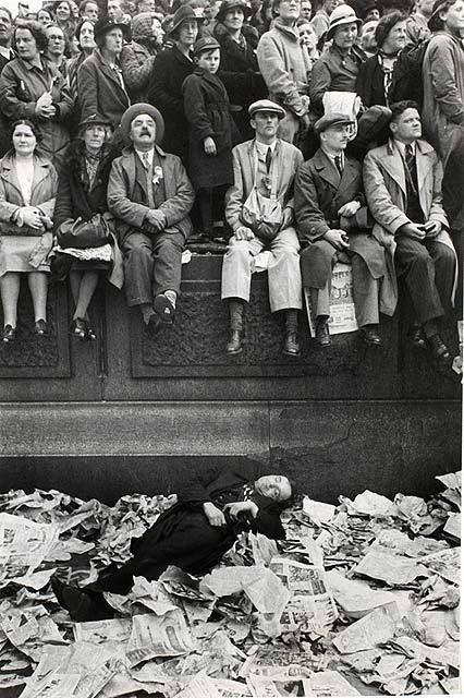 The Trafalgar Square on the day of coronation King George VI, 1937.