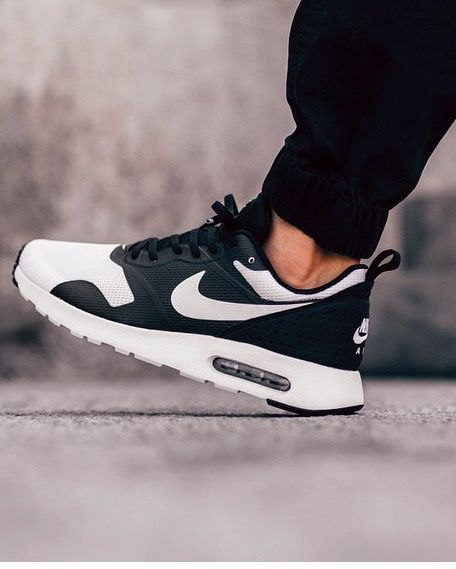 mens nike air max tavas black and white
