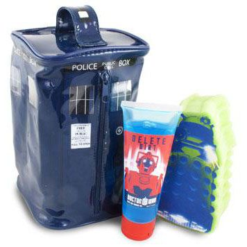 Doctor Who fans span across all age groups, but if you want to get a cool gift for a young Doctor Who fan, this Doctor Who Gift Set is perfect. This awesome Doctor Who Gift Set comes with a TARDIS wash bag, bath & shower gel and a sponge. It will make cleaning time a fun adventure. Just