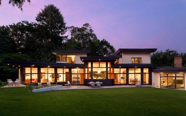 Реконструкция старого, темного и холодного дома в яркий и экологичный современный дом