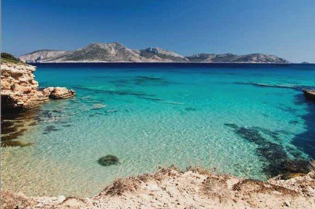 Koufonisia: astonishing little white sandy beaches, fox-red cliffs, bright blue lagoons, and sea caves. #FiveStarGreece #LuxuryVillas #HolidayMatchmakers