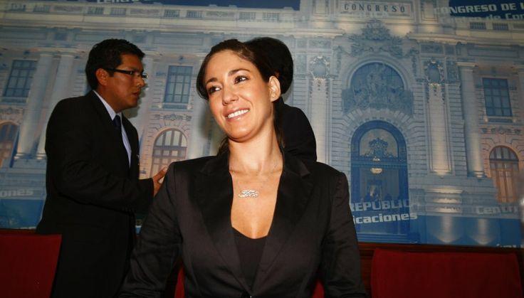 ¡Tilsa Lozano en el Congreso! #trome