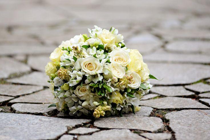 My wedding flowers - twilight inspired :)