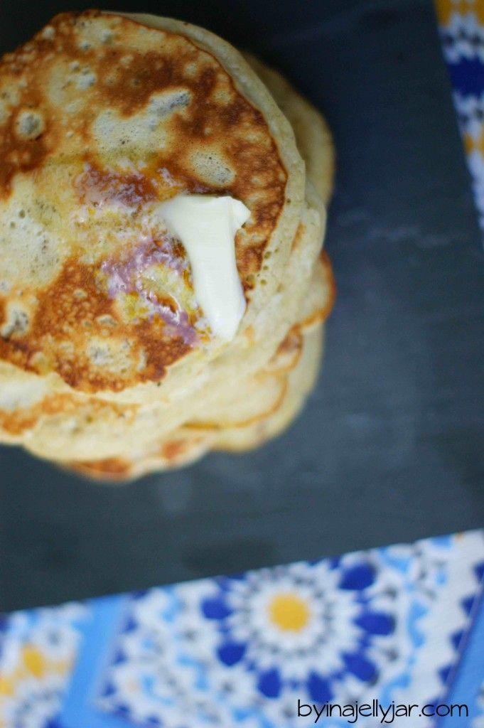 ultra-fluffige Bananen-Nuss Pancakes, superschnell auf dem Frühstückstisch sind. Gelingsicher!