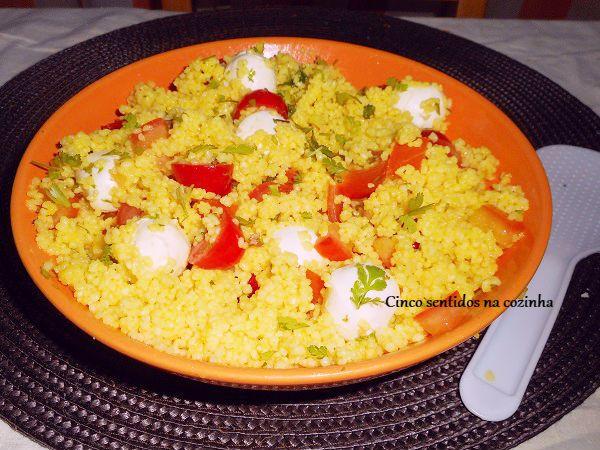 Cinco sentidos na cozinha: Couscous com tomate - cereja e mini-mozzarella