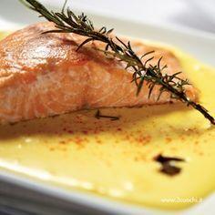Trancio di Salmone con salsa allo zafferano