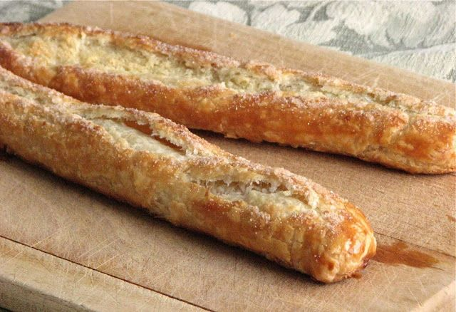 Banket; a flaky, buttery crust wrapped around a delectable almond filling, Dutch baking at it's finest!!