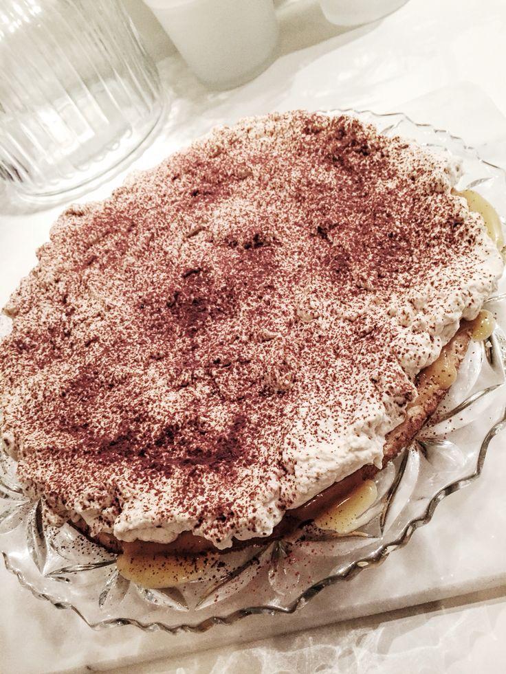 Kolatårta ♡ Caramel cake with a touch of espresso beans