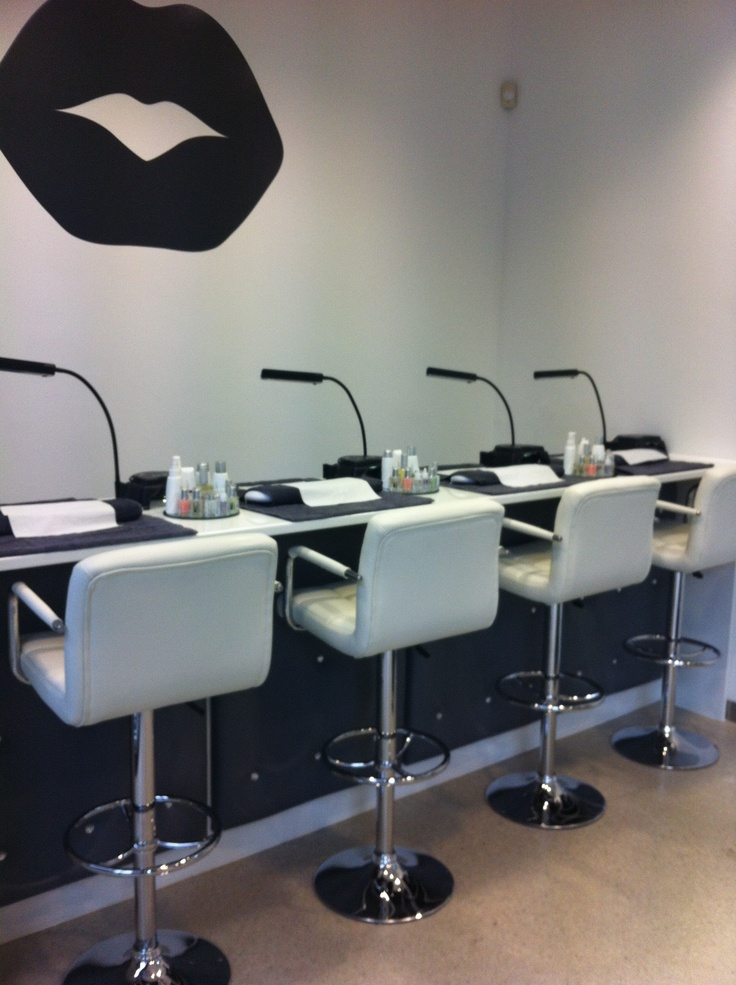 Pout beauty nail bar pout columbia beauty bar ongles for Ab nail salon sarasota