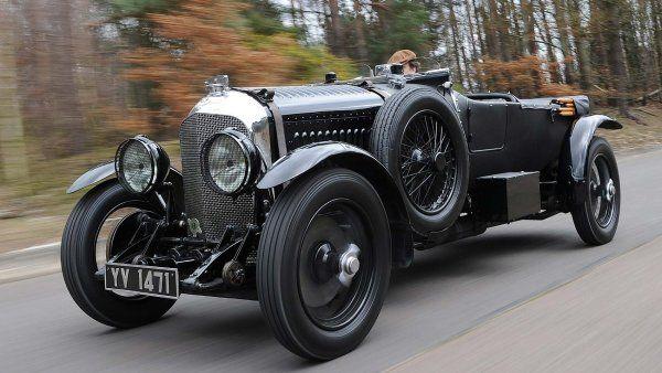 Podnikatel se nechtěl vzdát ani svého vozu Bentley z roku 1928.