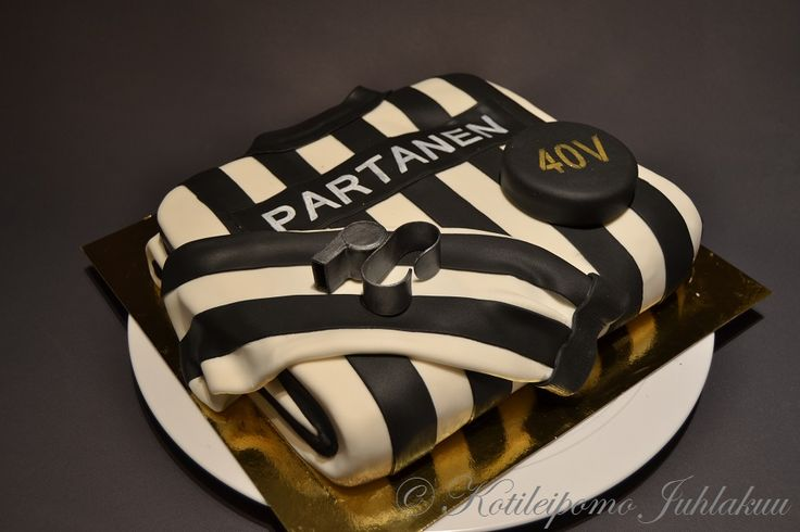 Ice hockey referee's birthday cake