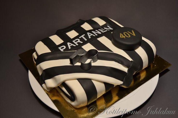 Ice hockey referee's birthday cake