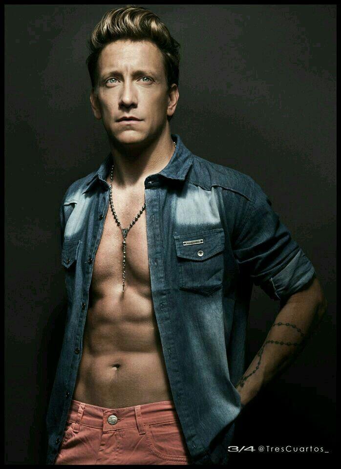 Nicolas vazquez actor y modelo argentino
