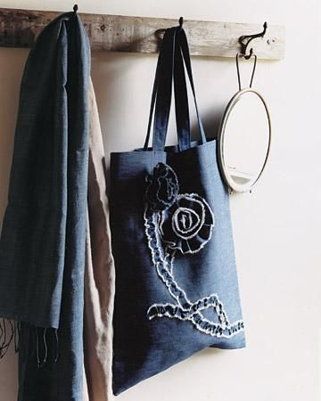 Easy Denim Tote with Floral Brooches How-to