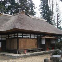 岡本家住宅-2つの建物が食い違いにつながっている、珍しい構造