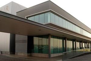 Hangar Aviasur.  Arquitectos: Rodrigo Ferrer y Freddy Alvial.  http://aoa.cl/oficina/estudio-ai/