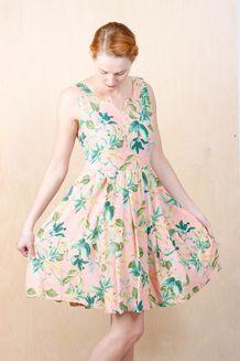 EM Sandy Dress Flower