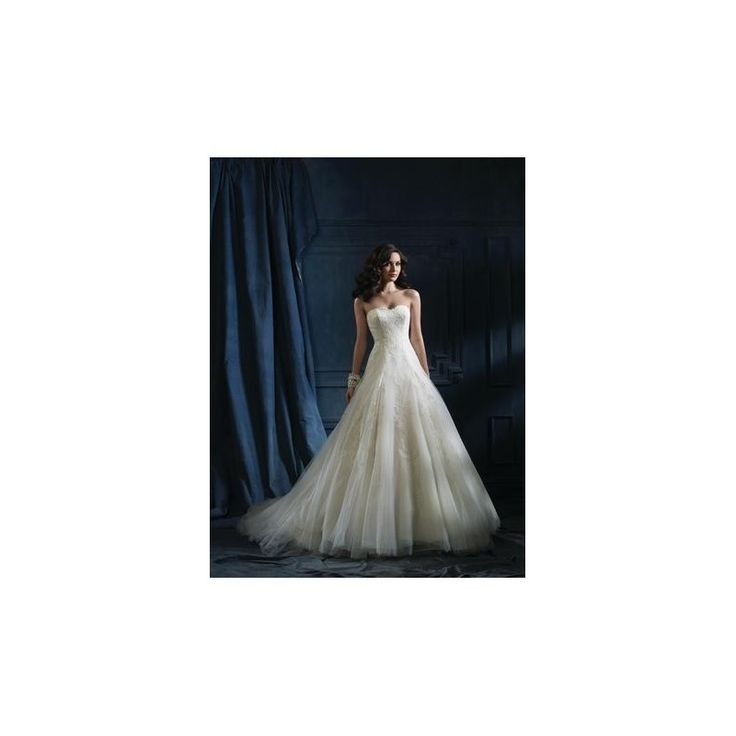 Sapphire by Alfred Angelo Branded Bridal Gowns Designer Wedding Dress This dress was purchased from https://www.lightingsome.com/en/alfred-angelo-sapphire-bridal/288-sapphire-by-alfred-angelo-867.html. In good condition, price is negotiable.