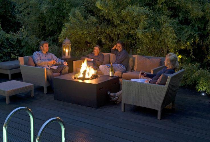 Paleniska i biokominki: ogień w nowoczesnym ogrodzie
