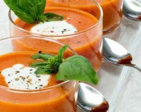 Cappuccino de tomates au basilic : http://www.fourchette-et-bikini.fr/recettes/recettes-minceur/cappuccino-de-tomates-au-basilic.html