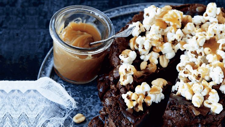 Er du vild med chokolade, vil du elske denne konfekt-agtige chokoladekage, der kombinerer sødt med salt.