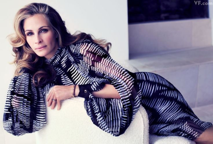 Julia Roberts at the Krause Residence in Malibu, photographed by Mario Sorrenti. Styled by Jessica Diehl for Vanity Fair April 2012