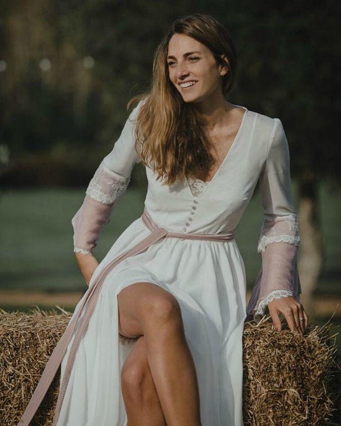 Descubre la tendencia en kimonos para novias de esta nueva temporada. Un complemento ideal para el previo a tu boda. ¿Cómo será el tuyo?