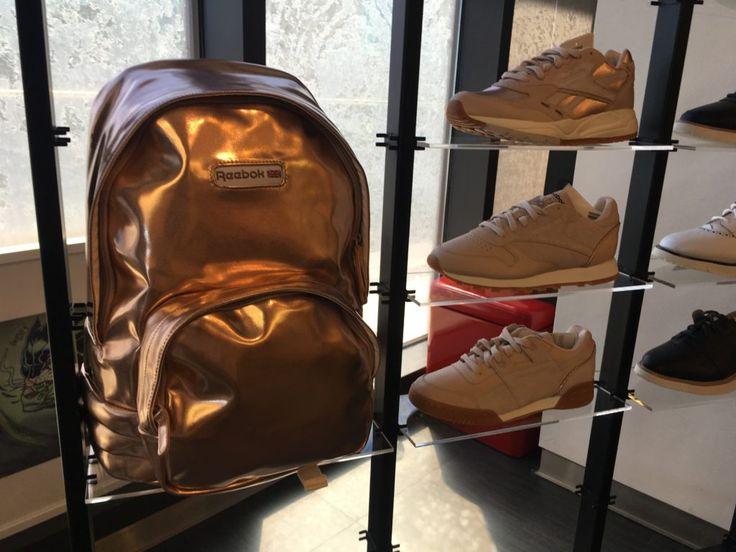 Reebok Fashion: coleção de verão 2017 com tênis e mochila rosé gold.