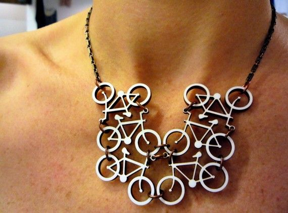 This bicycle necklace is so cool, it leaves me speechless.