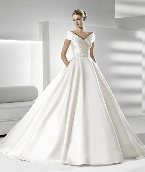 Grace Kelly 1950s inspired wedding dress