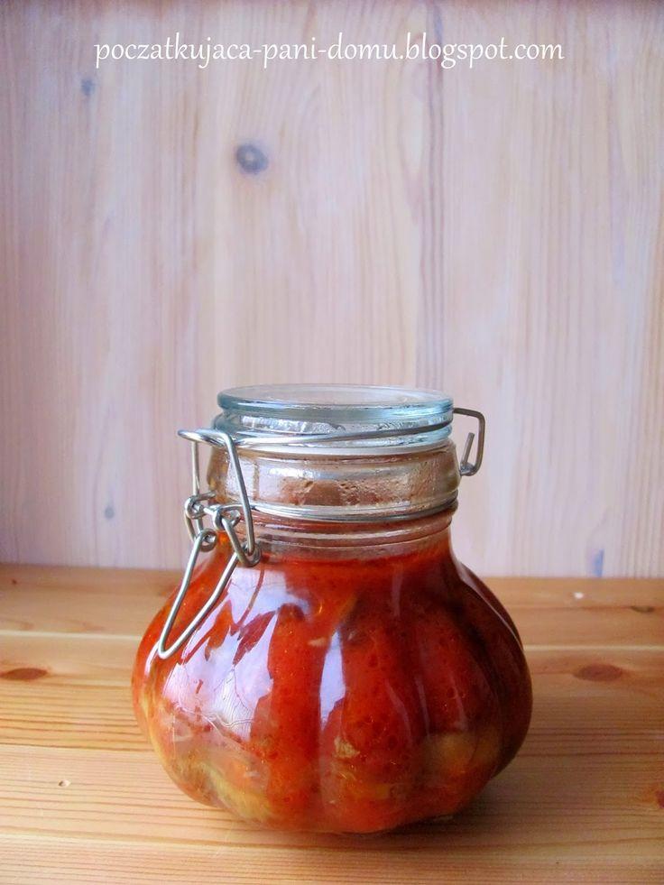 Początkująca pani domu: Grzyby w pomidorowej zalewie.