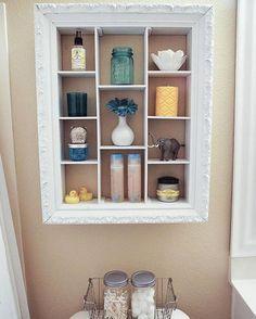 8 façons de combler l'espace vide au-dessus de la toilette
