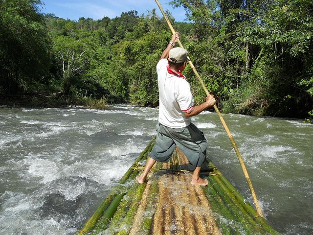 Bamboo rafting, South Kalimantan >>> http://www.flickr.com/photos/ng_sebastian/5144045329/in/photostream