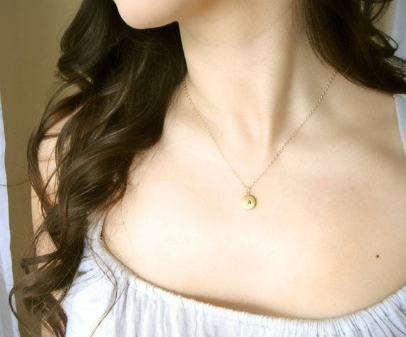 Love this locket.  So dainty and pretty.
