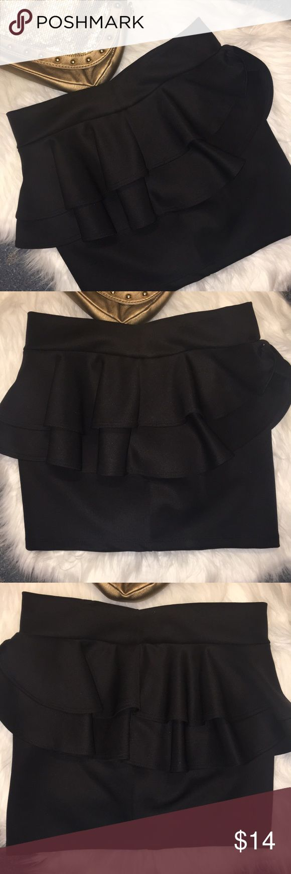 Sexy Medium Black Peplum Skirt Brand new black Peplum skirt. Perfect with some cute designed tights and a crop top shirt! Size us medium and fits true to size. Dress does have stretch to it. Skirts Mini