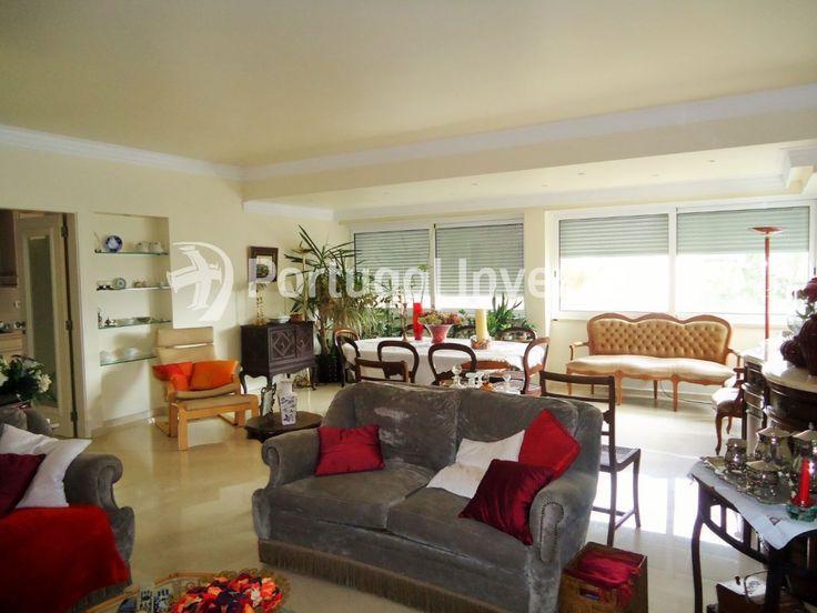 Vende T3 de luxo, rotunda dos bancos, Almada - Portugal Investe