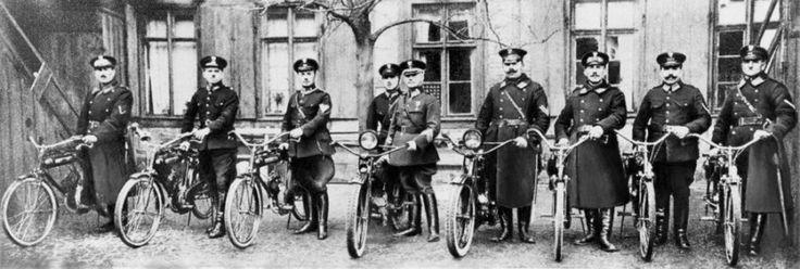 Oddział motorowerowy.Policja Państwowa w niepodległej Polsce - Galerie zdjęć - Policja.pl