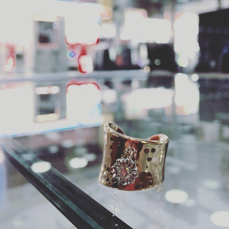 Custom made ring. Austgold Dandenong.