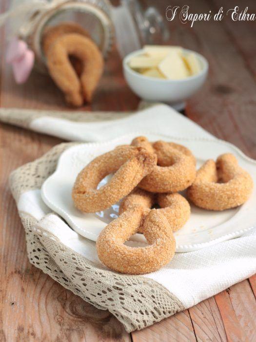 Torcetti ricetta biscotti al burro friabili e gustosi