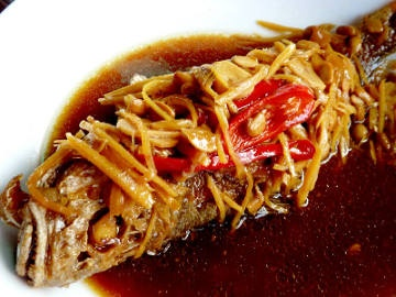 Ikan Ceng Cuan (Peranakan Tangerang Style Braised Fish in Kecap Manis)