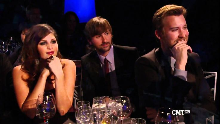 """""""Need You Now"""" - Adele & Darius Rucker cover Lady Antebellum's song live with them watching approvingly!"""