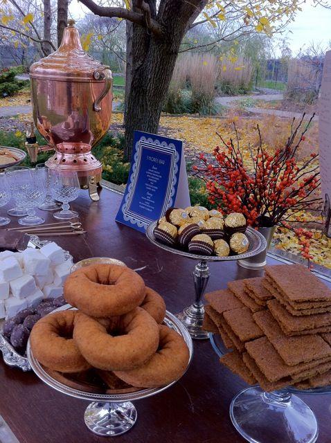 make everyone get up for a sunrise wedding - serve breakfast?